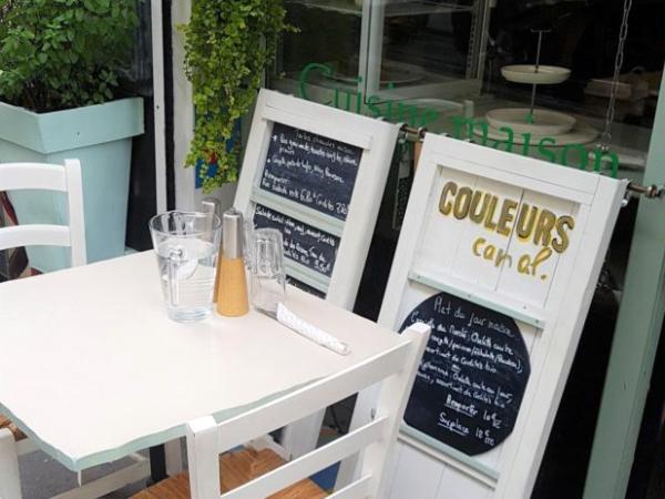 Couleur Canal, restaurant du Canal Saint-Martin : table et menu