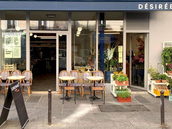 Désirée Fleurs, café-fleuriste à Paris 19e : terrasse